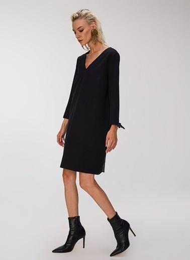 People By Fabrika Arkası Pilise Detaylı Elbise Siyah